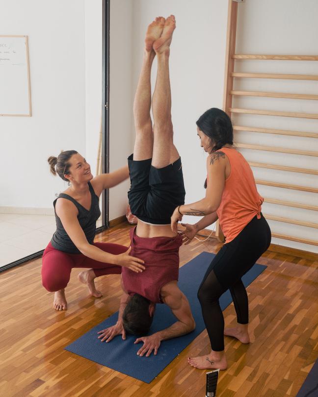 Workshop de Yoga: Balance (Invertidas) + EXPLORE: Backbends & Splits