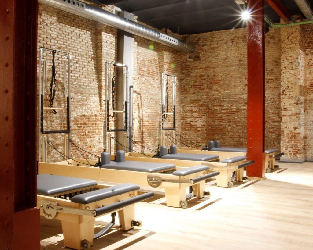 sala maquinas pilates reformer